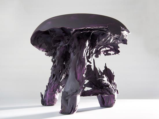 DMY Price awarded to young Dutch artist gravity stool