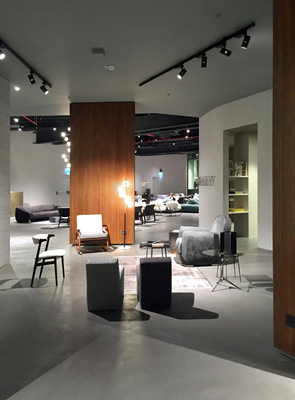 Design News: Baxter New Furniture Store in Milan furniture store in milan Design News: Baxter New Furniture Store in Milan Design News Baxter New Furniture Store in Milan 7