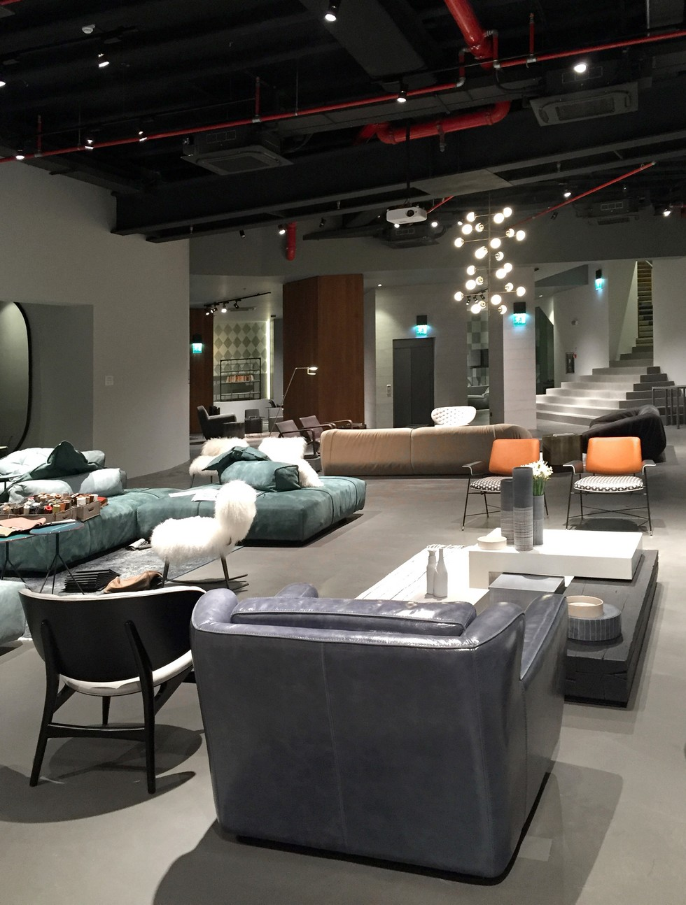 Design News: Baxter New Furniture Store in Milan furniture store in milan Design News: Baxter New Furniture Store in Milan Design News Baxter New Furniture Store in Milan 8