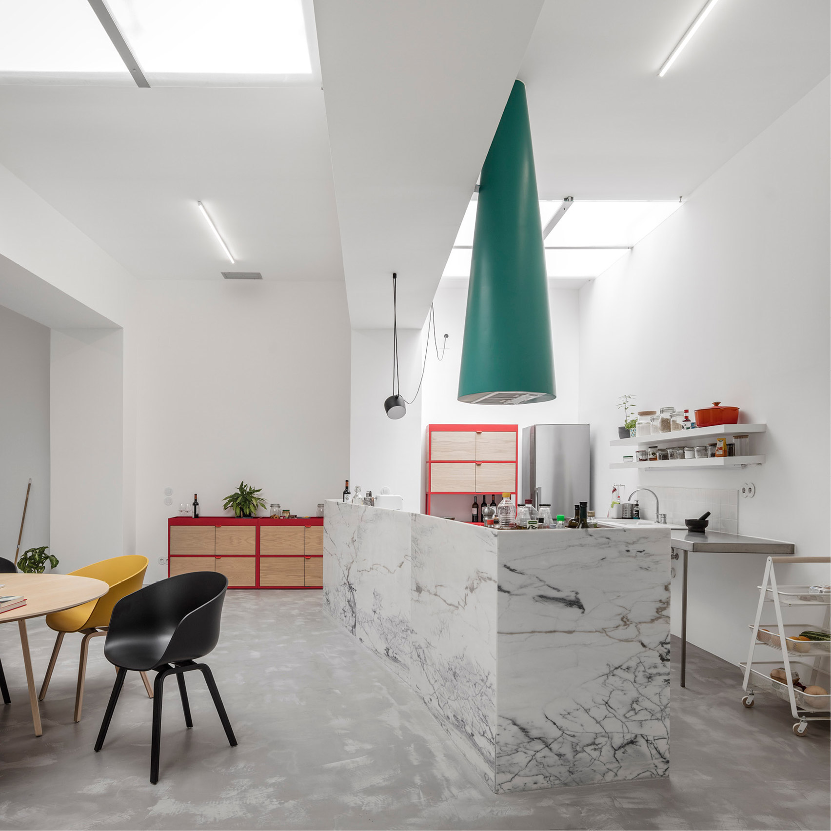 Design News: Portuguese Studio Fala Atelier Transforms Garage into Stunning Home design news Design News: Studio Fala Atelier Transforms Garage into Stunning Home Design News Portuguese Studio Fala Atelier Transforms Garage into Stunning Home 4