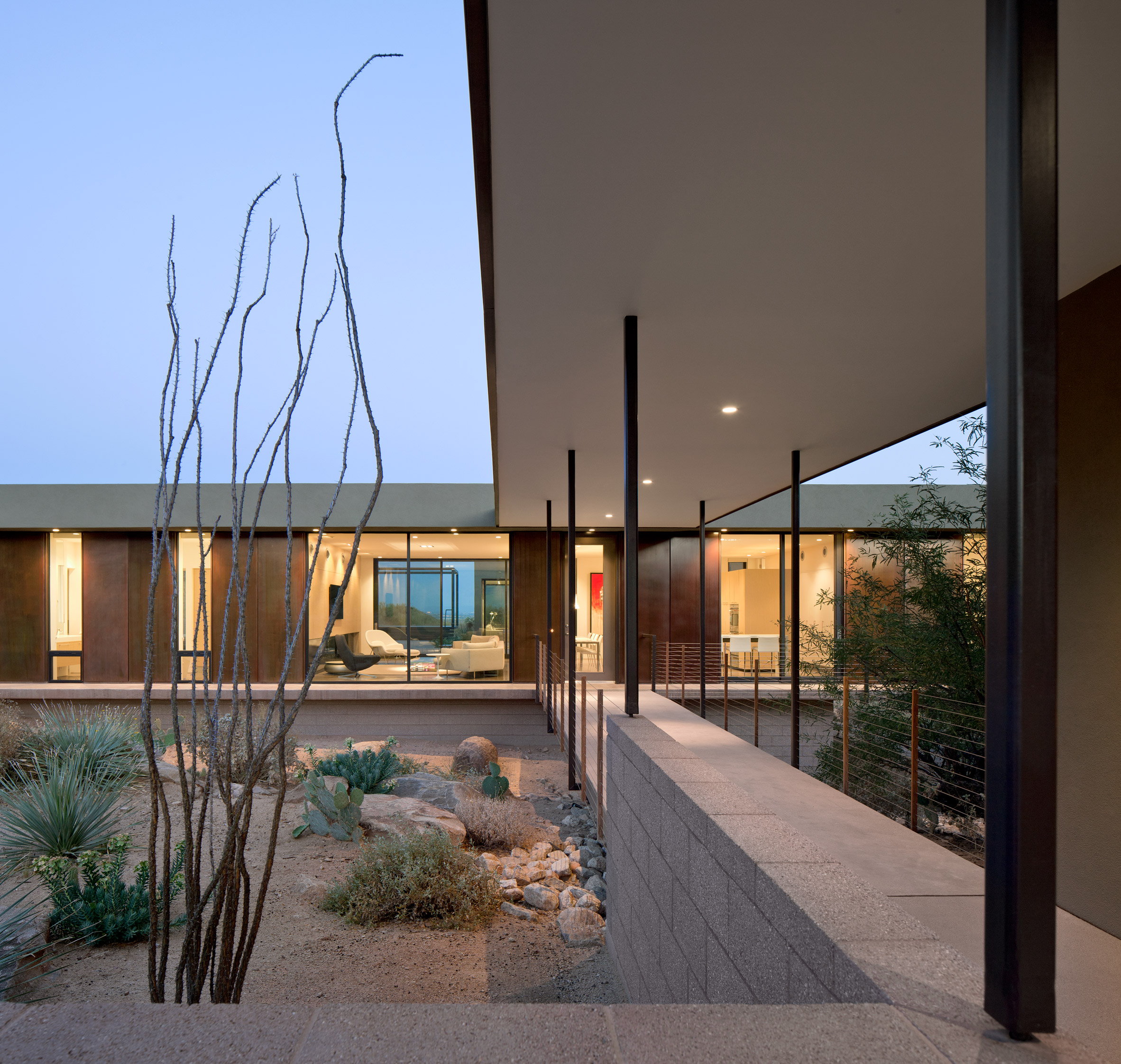 Ibarra Rosano Designs Home Above the Desert in Arizona ibarra rosano Ibarra Rosano Designs Home Above the Desert in Arizona Ibarra Rosano Designs Home Above the Desert in Arizona 2