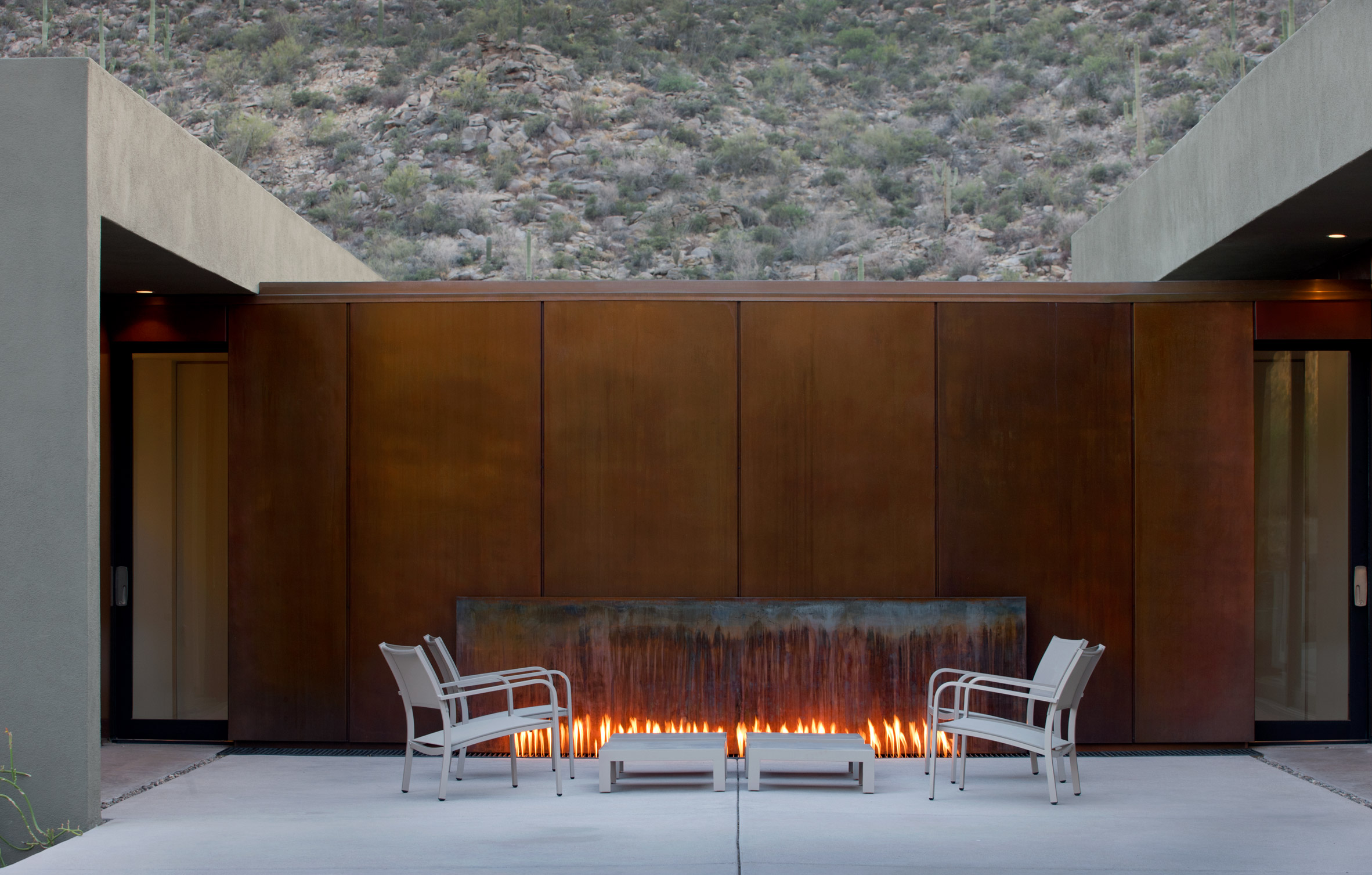 Ibarra Rosano Designs Home Above the Desert in Arizona ibarra rosano Ibarra Rosano Designs Home Above the Desert in Arizona Ibarra Rosano Designs Home Above the Desert in Arizona 3