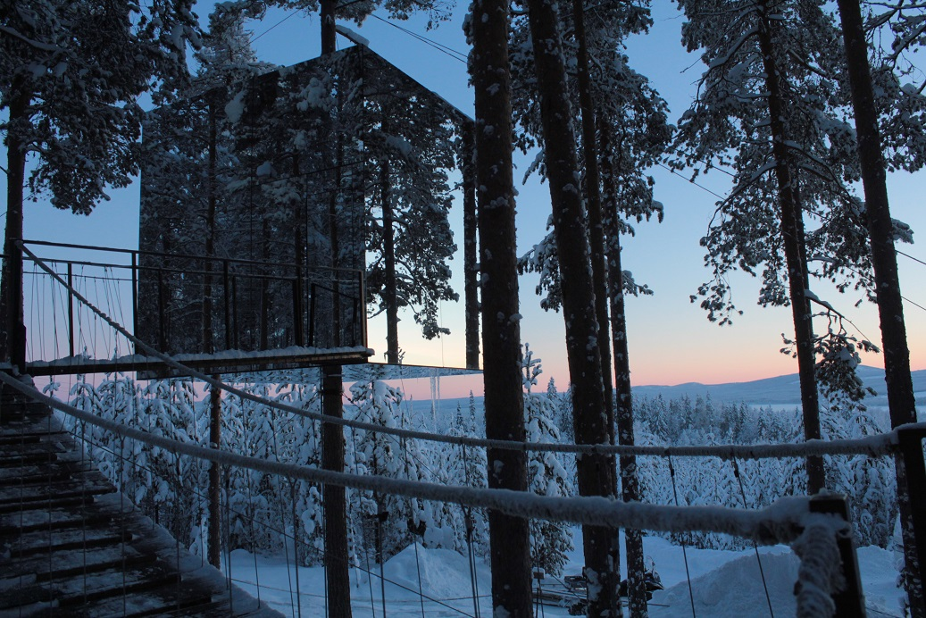 3 Awesome Treehouses You Will Want to Sleep in at Sweeden's TreeHotel treehotel 3 Awesome Treehouses You Will Want to Sleep in at Sweden's Treehotel mirror cube sweeden treehotel tree house architecture