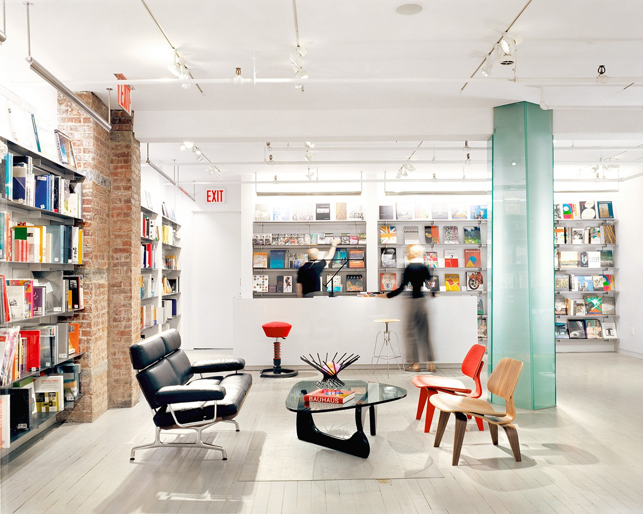 New York City Guide for Designers new york city guide The Ultimate New York City Guide Designers Should Follow new york city guide for designers moma design shop interior