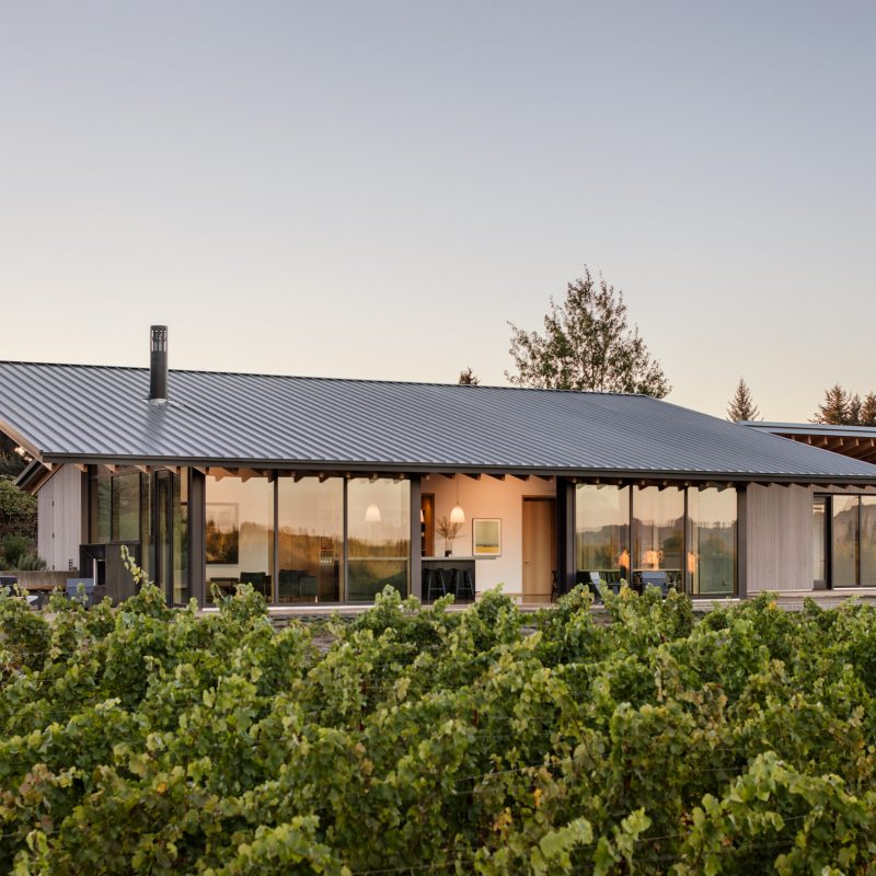 Lever Architecture designs Stunning Wine Tasting Room in Oregon
