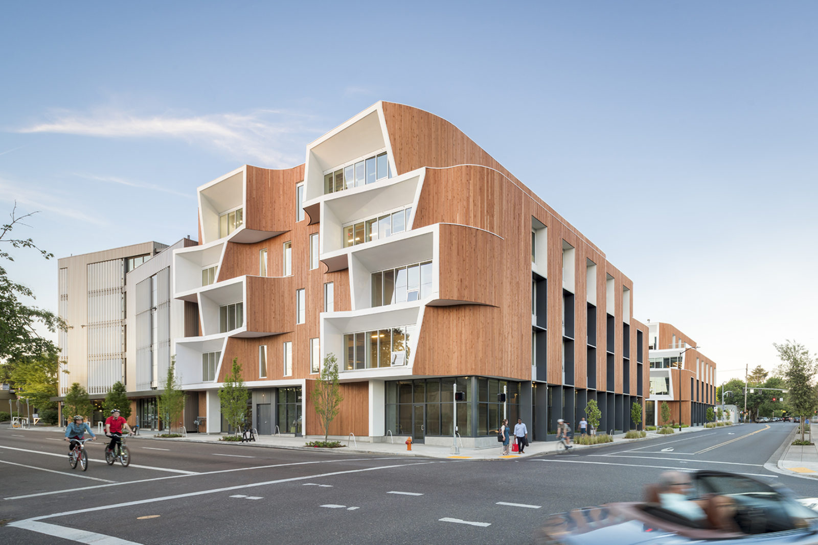 Holst Architecture Newest Project in Portland Contains Curvilinear Facade holst architecture Holst Architecture Project in Portland Contains Curvilinear Facade Holst Architecture Newest Project in Portland Contains Curvilinear Facade 4