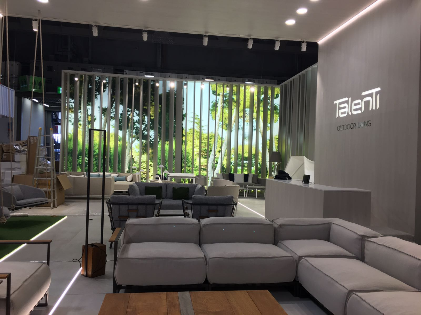 Stands You Must See at ISaloni 2017 Tomorrow salone del mobile 2017 Stands You Must See at Salone del Mobile 2017 Tomorrow Stands You Must See at Salone del Mobile 2017 Tomorrow 4