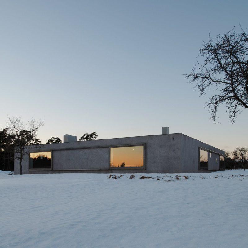 Swedish Holiday Home designed by Tham & Videgård Arkitekter