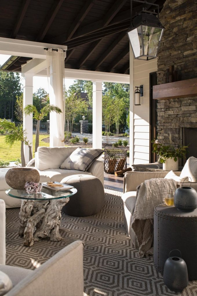 The 3 Biggest Outdoor Design Trends For Summer 2017 outdoor design trends The 3 Biggest Outdoor Design Trends For Summer 2017 The 5 Biggest Outdoor Design Trends For Summer 2017 Upholstered Outdoor