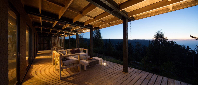 studio selva Casa Tumán by Studio Selva Features Communal Deck Overlooking Ocean Casa Tum  n by Studio Selva Features Communal Deck Overlooking Ocean 4