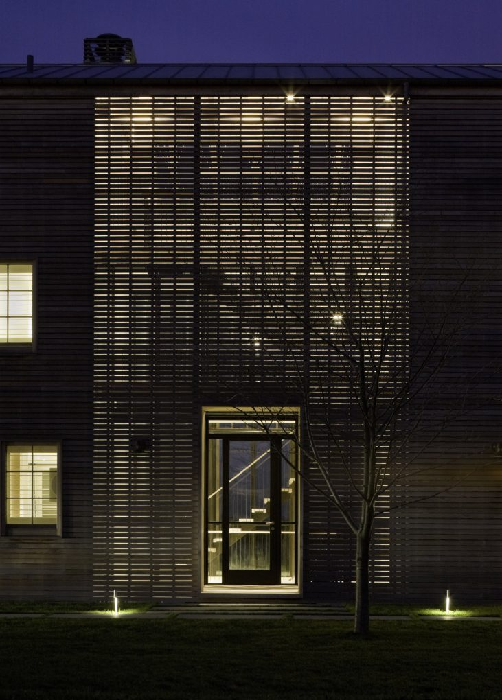 leroy street studio Louver House by Leroy Street Studio Features Slatted Timber Facades Louver House by Leroy Street Studio Features Slatted Timber Facades 9