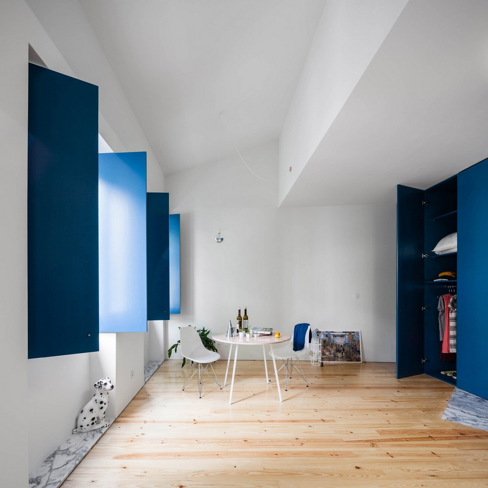 Fala Atelier designs Apartment in Porto Features Deep Blue Shutters fala atelier Fala Atelier designs Apartment in Porto Features Deep Blue Shutters fala 3