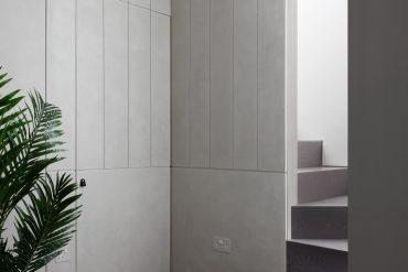 mwai MWAI creates Minimalist Flat Using Grey Tones and Geometric Tiling MWAI creates Minimalist Flat Using Grey Tones and Geometric Tiling 2 370x247