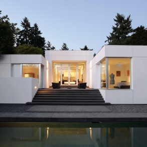 Modern Oasis by SkB Architects Features Gallery-Like Aesthetic Modern Oasis by SkB Architects Modern Oasis by SkB Architects Features Gallery-Like Aesthetic Modern Oasis by SkB Architects Features Gallery Like Aesthetic 1 293x293
