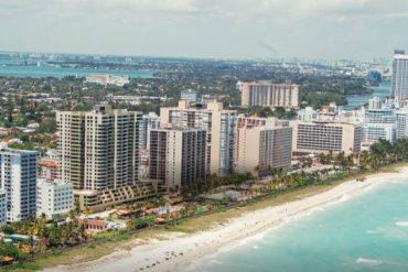 The Ultimate Design Guide of Miami For 2018  PullCast Provides a Summer Option For Your House Deco The Ultimate Design Guide of Miami For 2018 06 370x247