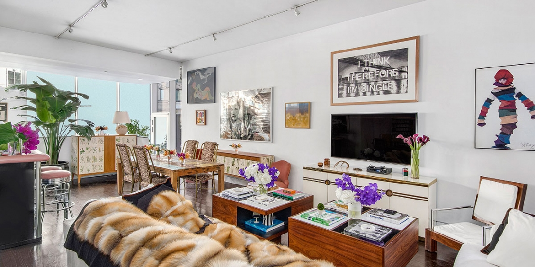 A living room decorated by the interior designer Sasha Bikoff chosen for the AD Apartment of 2019 AD Design Show. ad design show AD DESIGN SHOW 2019 EVENT GUIDE 471washington living room my4n7b9v2s60nvhcwd8miid17h9bew21hpc7ol81vg