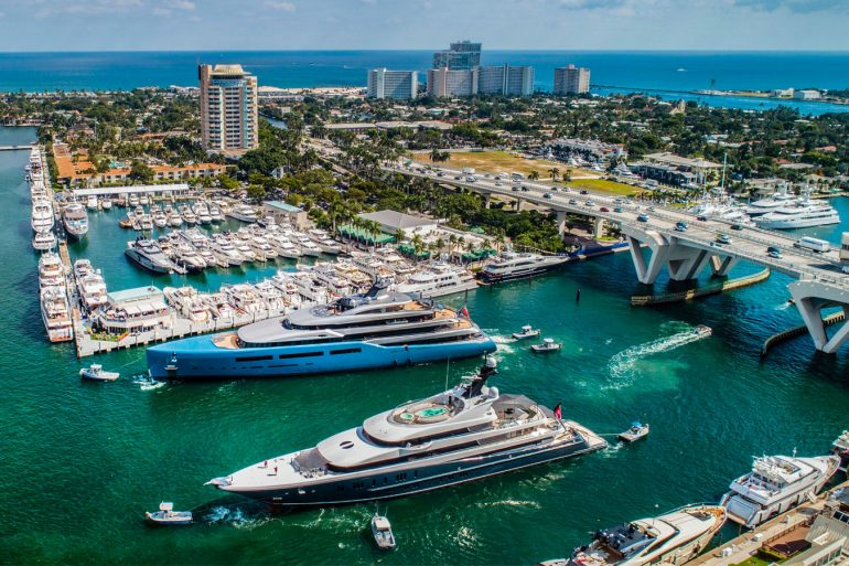 flibs 2019 FLIBS 2019: Find Out Here The Most Luxurious Pieces At Popular Booths flibs 2019 luxurious pieces popular booths  770x513