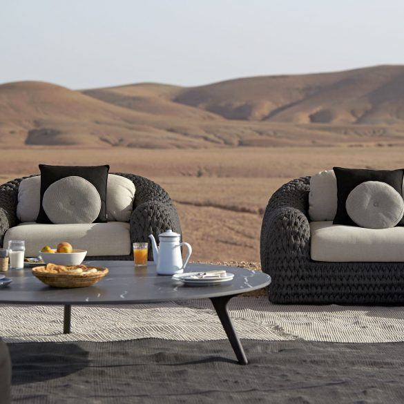 luxury outdoor furniture Luxury Outdoor Furniture: Bring The Inside Out outdoor furniture 1 2 585x585