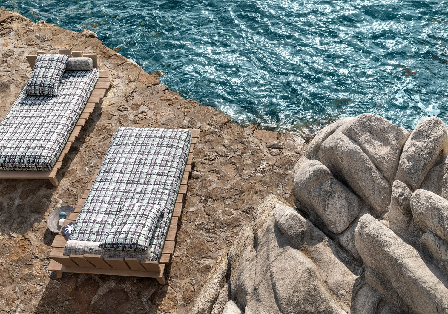 Paola Navone's Outdoor Collection Is All About Organic Shapes paola navone Paola Navone's Outdoor Collection Is All About Organic Shapes paola navones outdoor collection organic shapes 2 scaled
